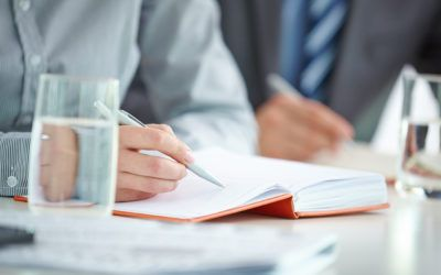 Is the employer obliged to simplify the improvement of employee qualifications?
